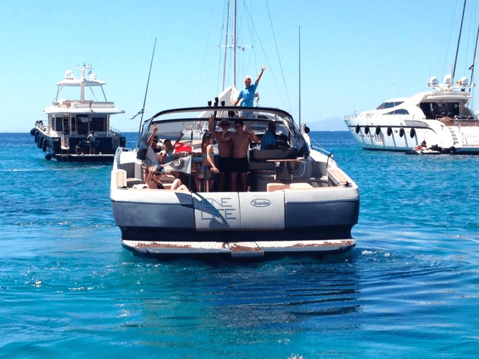 mykonos yacht hire