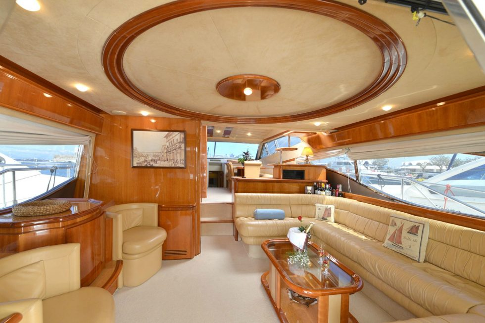 mykonos yacht rental